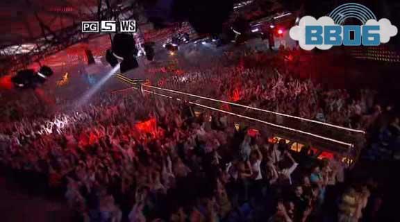 bb06-finale-crowd-2